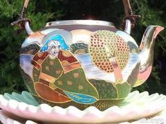 Kézzel festett teáskanna