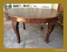 Réges-régi nyitható étkező asztal