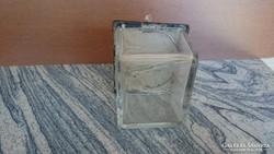Üveg doboz