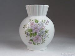 0M592 Régi gerezdes Zsolnay porcelán váza