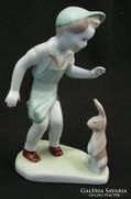 Kisfiu nyuszival - aquincumi porcelán