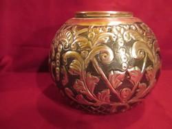 204.Kézzel készült gyönyörű fém váza 13 cm