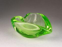 0N057 Retro szív alakú vastagfalú üveg hamutál
