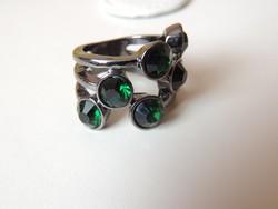 Sötétzöld köves bizsu gyűrű