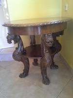 Faragott oroszlános neoreneszánsz asztal
