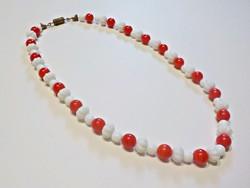 Régi piros fehér porcelán nyaklánc