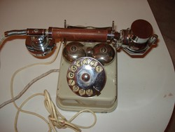 Régi érdekes telefon fellelt állapotában