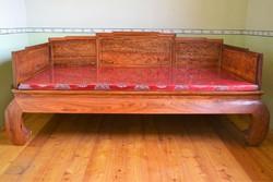 Tradicionális, kínai, faragott rózsafa ágy!