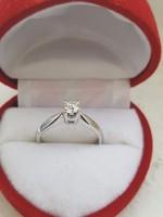 14k Fehérarany eljegyzési gyémánt gyűrű