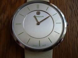 Hanowa egy gyönyörű és új svájci óra