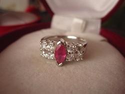 Szikrázó ezüst rubin gyűrű, brill csiszolás, nagy méret 1,9 cm belül