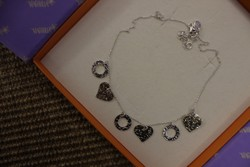 Ezüst nyaklánc (ezüst és aranyozott fityegökkel)