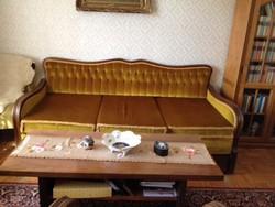 Nappali , antik dió bútor, kihúzható kanapéval és 2 db fotellal  eladó