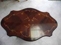 Intarziás Faragott Labú Ovális Asztal