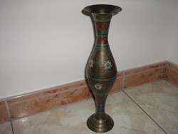 Indiai réz váza.