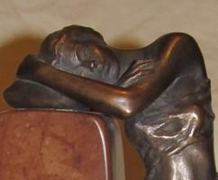 """Czobor Sándor """"Ábrándozó"""" c. bronz kisplasztikája eladó eredetigazolással és ingyen postával"""