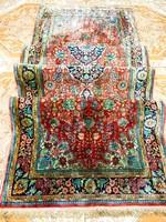 Ghom Selyem kézi csomózású  perzsa szőnyeg 93x300-cm