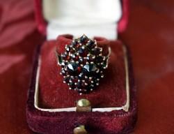 Antik aranyozott ezüst gránát köves gyűrű