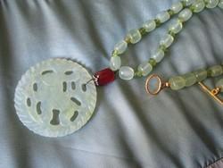 Jade es aventurin Pekingi Uveg Oriental Nyaklanc medallal
