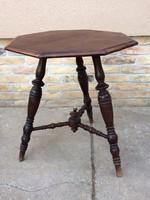 Antik 8 szögletű asztalka