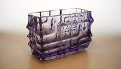 Vladislav Urban által tervezett 60-as évek beli cseh préselt üveg váza
