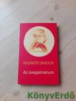 Radnóti Sándor: Az üvegalmárium