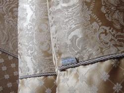 Csodálatos barokk mintás brokát ágynemű