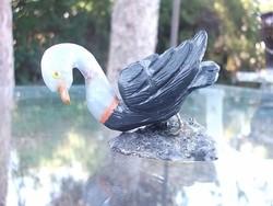 Vizi szárnyasmadár ásványi kőzetekből-nincs megfelelő kategória neki