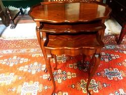 Mahagóni 3db-os alkalmi asztal