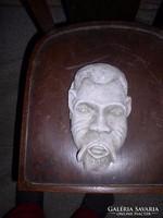 Fali vízköpő arc giszből.kb.25 cm magas, Zéger Gyula szobra  natúr festetlen gipsz,