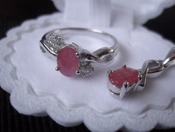 RÓZSABIMBÓ Valódi rubin brill csiszolás, platina ezüst gyűrű és medál
