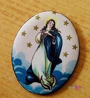 Csillagos tűzzománc medál a Szűz Anyával, Magyar felirattal, keret nélkül.