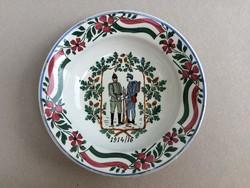 Antik fali tányér Wilhelmsburgi fajansz katonás régi dísztányér falitányér I. Világháború 1914