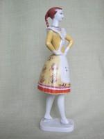 Hollóházi porcelán népviseletes lány menyecske 24 cm