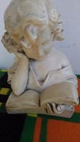 Nagy régi gipsz szobor