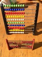 Két hagyományos számológép