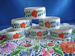 Különleges festésű Kalocsai porcelán szalvéta gyűrű 6 db