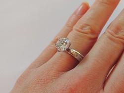 Bámulatos ródiumos szoliter ezüst gyűrű