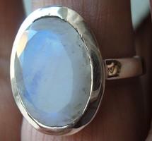 925 ezüst gyűrű, 18,7/58,7 mm holdkővel