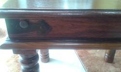 Rózsafa kisasztal