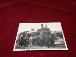 Horogkeresztes vonat fényképe