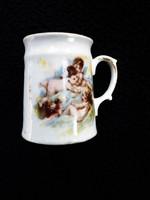 Antik puttós mini csésze