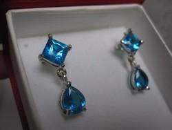 Karácsonyi ajándék: kék topáz és gyémánt hatású cirkónia fülbevaló