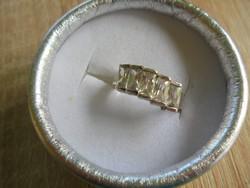 Csiszolt köves ezüst gyűrű