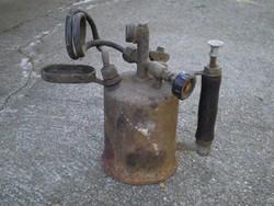 Régi benzinlámpa