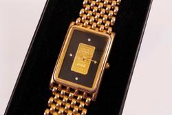 Elegáns, exkluzív karóra 24 karátos arany lapkával és négy darab gyönyörű kővel