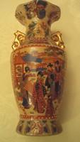 Gésa és virág motívummal,teljes felületén gazdagon díszített,régi keleti Satsuma porcelán váza.