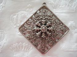 Régi női vintage medál