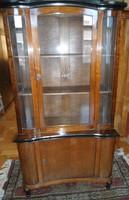 Antik vitrines tálaló szekrény, csiszolt üveg mintával