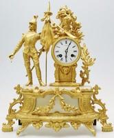Antik francia 8 napos aranyozott fém és alabástrom  ütős óra